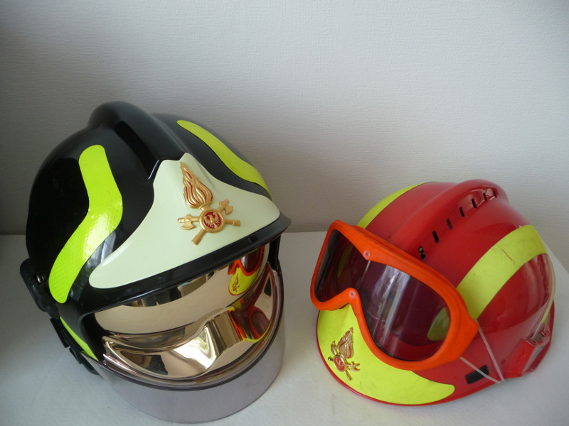 photo casques f1 et f2 trentin italie