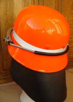 photo de dos casque din orange
