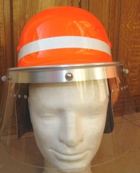 photo de face du casque orange din 14940