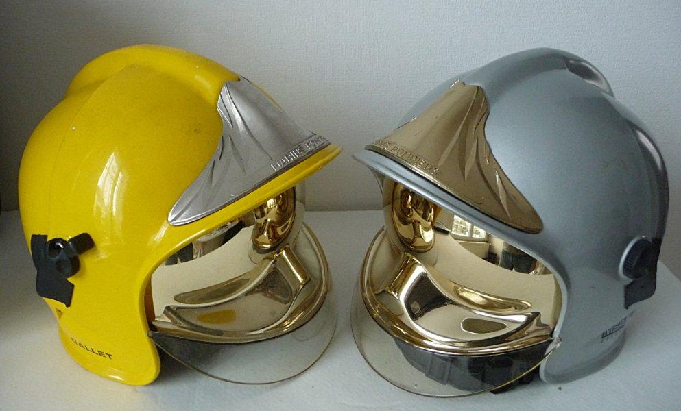 photo de face des casques mod le f1 marin pompier. Black Bedroom Furniture Sets. Home Design Ideas